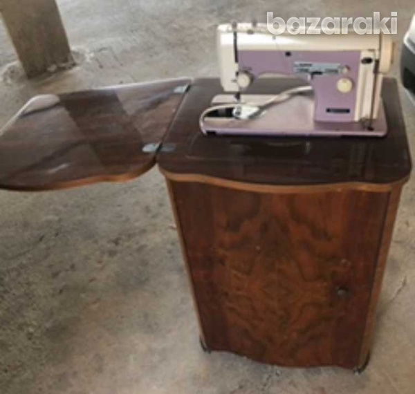 Rare necchi mod.252 sewing machine pink in great condition-1