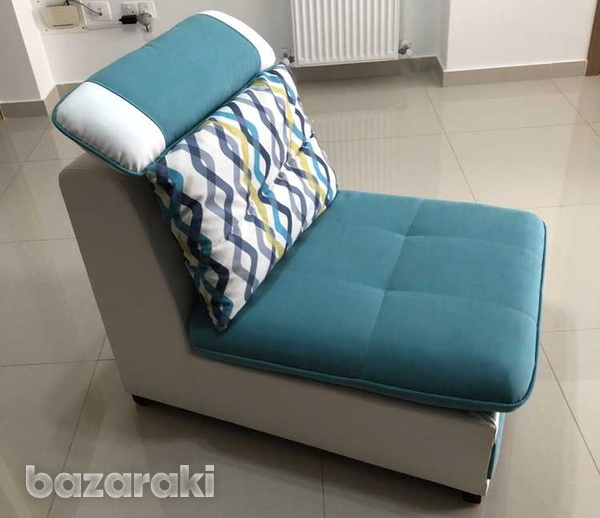 Italian single sofa in new condition with reclining pillow-8