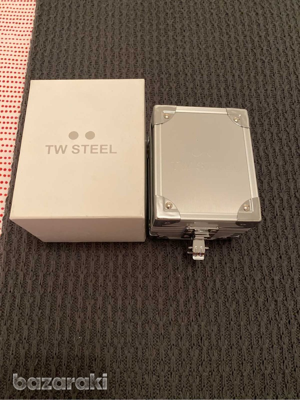 Original tw steel crystals watch with box and extra strap-2