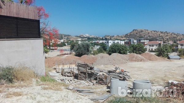 Residential plot 834 sqm in a great spot in agios tychon