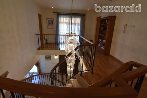 Fully furnished villa of 5 bedrooms with pool on the hills of pyrgos-9
