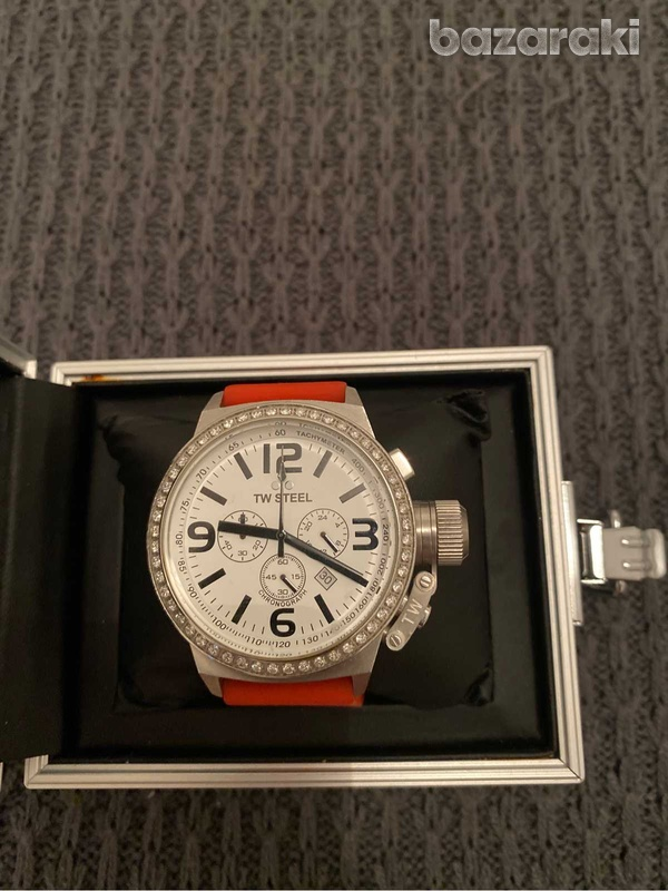 Original tw steel crystals watch with box and extra strap-5