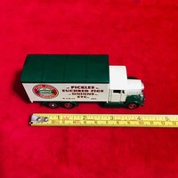 Collectible diecast truck / lorry