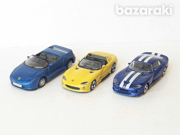 Lot of 3 collectible diecast model cars 1/36, 1/43-2