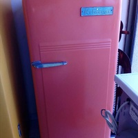 Antique refrigerator brand kelvinator made in usa the year 1937
