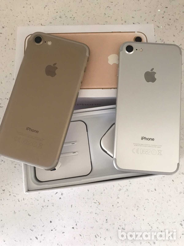 Iphone 7 32gb boxed with new accessories-3