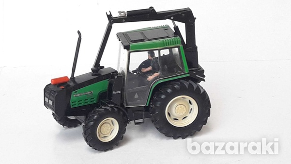 Vintage collectible rare britains 1997 macau diecast model tractor val-6