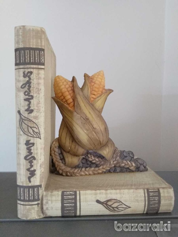 Book stoppers-3