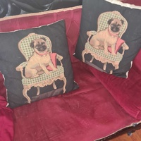 Decorative pillow set