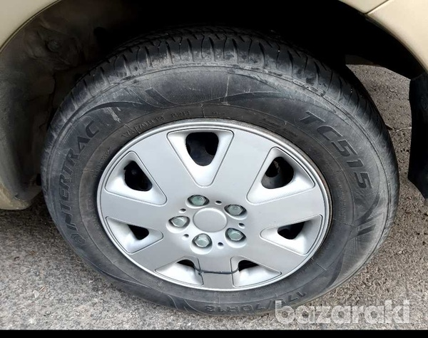 Tyres for toyota yaris-3