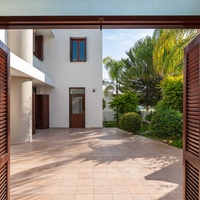 Luxurious independent 5 bedrooms house in nicosia
