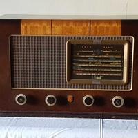 Antique radio from walnut 1948 - operable - antique radio made