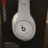 Headphones bluetooth beats studio