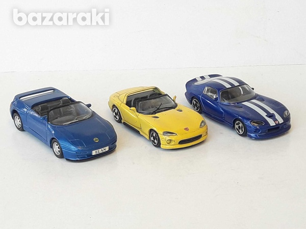 Lot of 3 collectible diecast model cars 1/36, 1/43-3