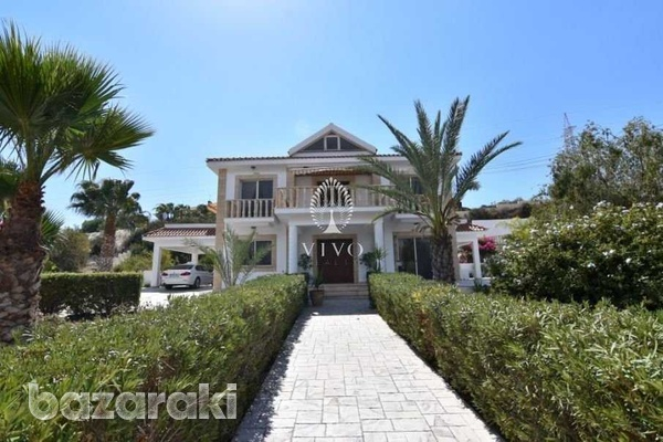 Fully furnished villa of 5 bedrooms with pool on the hills of pyrgos-1