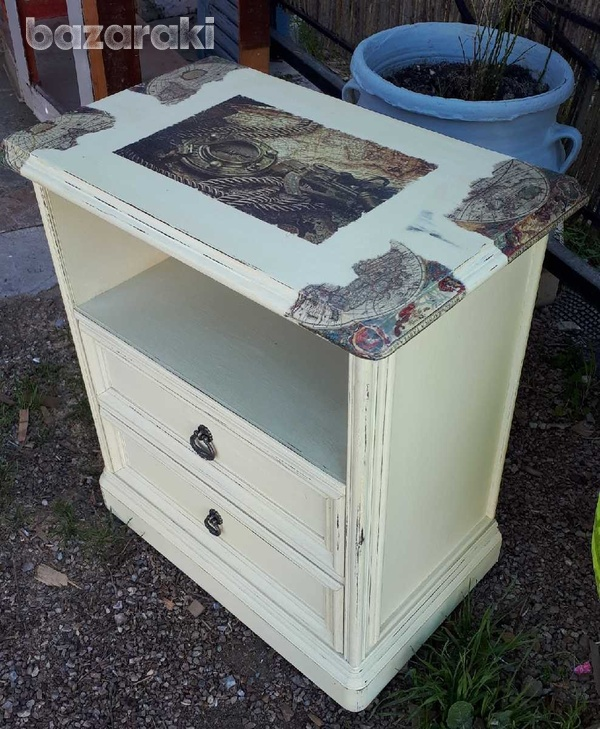 Additional table with drawers.-2