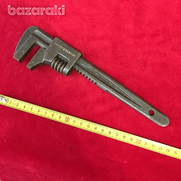 Adjustable vintage wrench-1