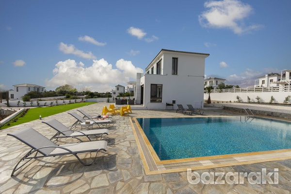 Stunning 3 bedroom villa with unobstructed sea views and title deeds-6