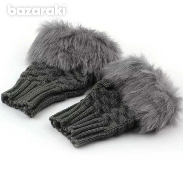Knitted women's gloves-4