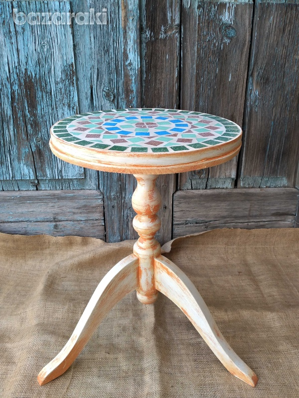 Round mosaic table top.-2