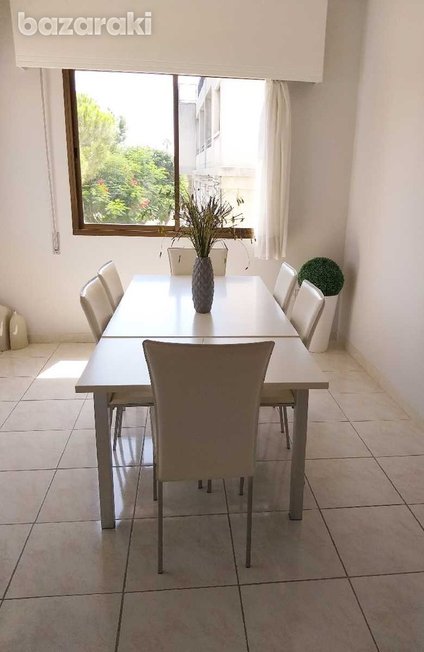 Dinning table extentable with 6 chairs-1