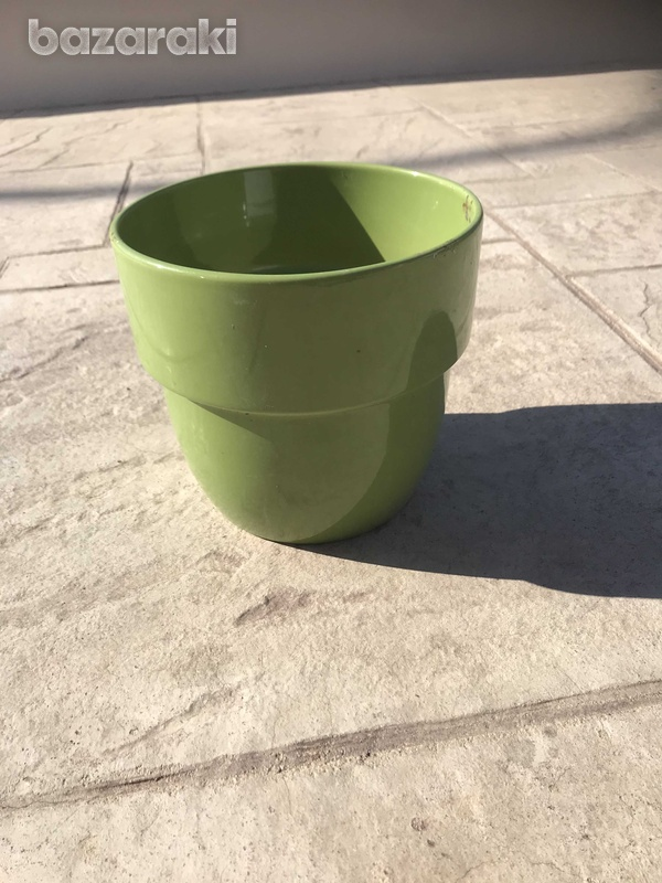 Assortment of items for outside in garden or on sun terrace or indoors-8