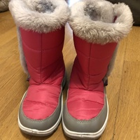 Ski boots for girls
