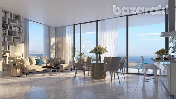 Rare luxurious 3 bedroom seafront apartment-1