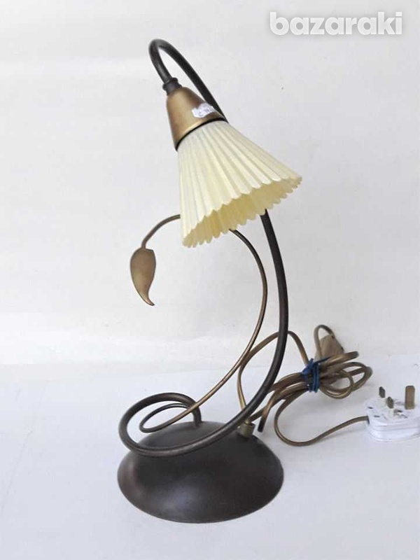 1960s vintage art deco beautiful table / office lamp, working. for dec-2