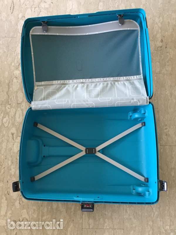Samsonite large travel suitcase-4