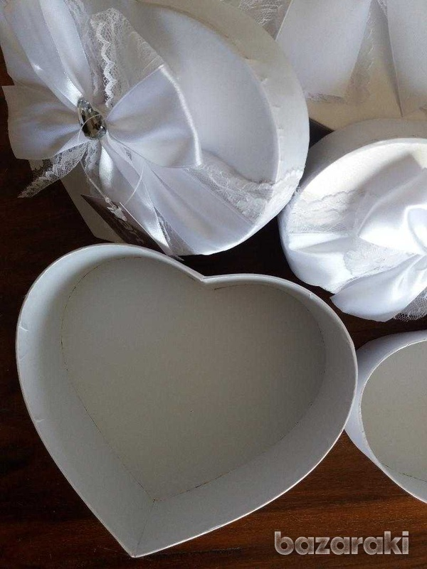 Brand new 3 fabulous white satin & lace boxes-8