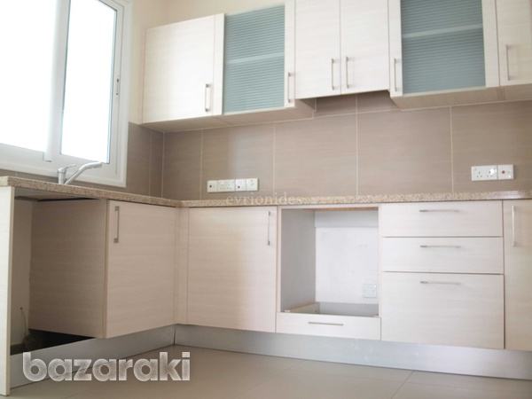 A modern new 2 bedroom apartment-9