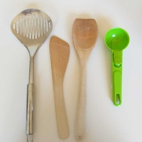 Various kitchenware 5 pieces set