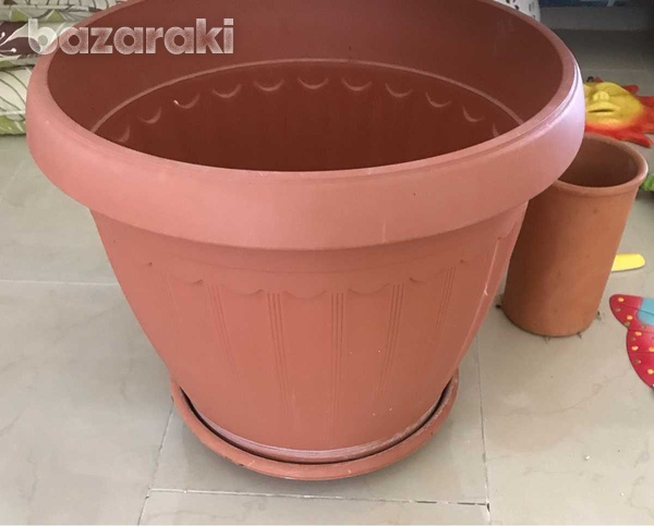 Assortment of items for outside in garden or on sun terrace or indoors-6