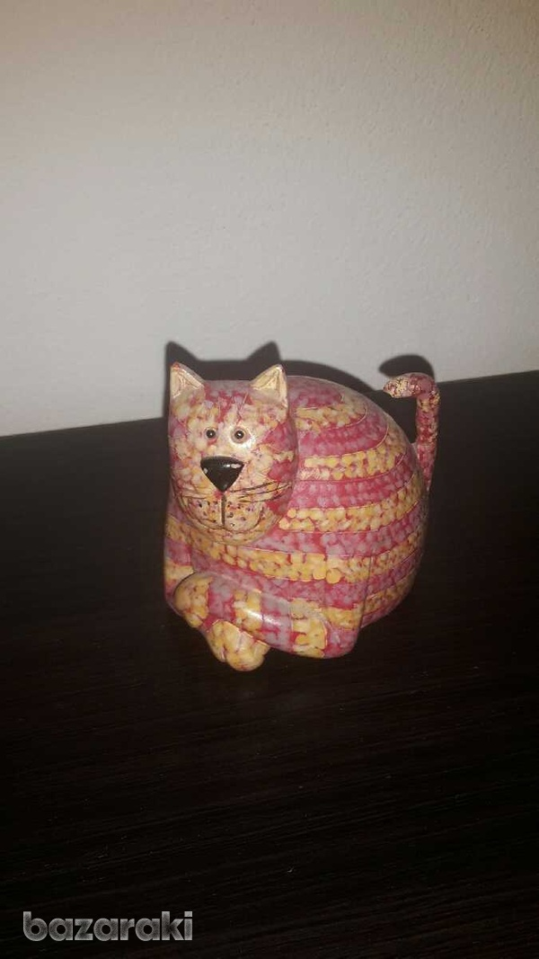 Cat statue, approximately 7cm-1
