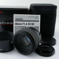 Sigma 30mm f/1.4 dc ex hsm lens canon w/box from japan