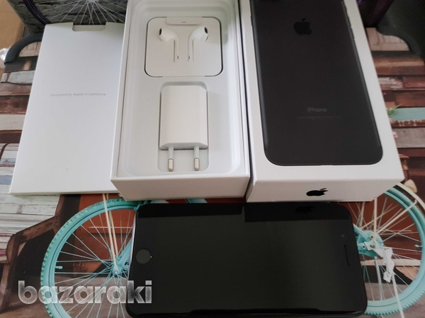 Apple iphone 7 plus 128gb black with box and accessories-1