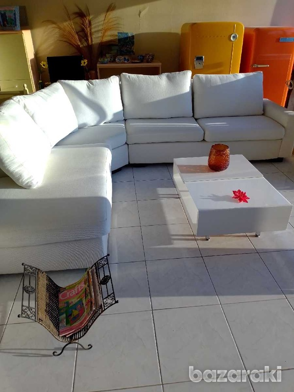 Coffee table with adjustable feets 90x65 excellent condition like new.-6