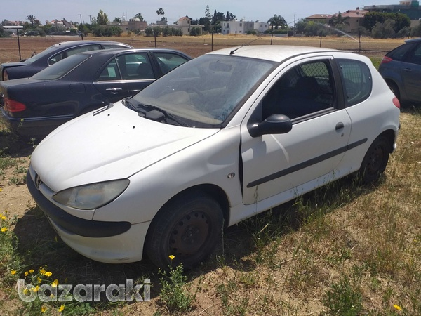 Peugeot 206 for parts