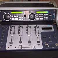 Stanton professional double cd player with mixer in a rack case