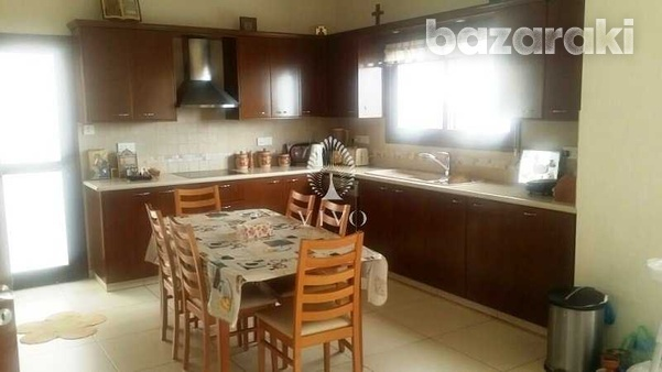 Detached 4 bedroom house in agios athanasios-5