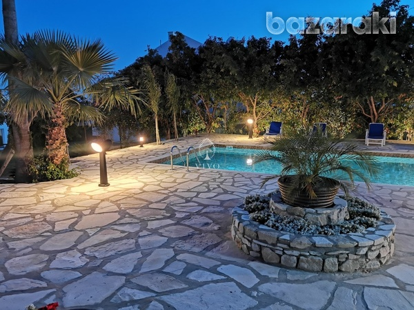 6 bedroom villa with panoramic city view in ayia fyla-9