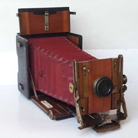 Antique 1900s collectible the sanderson machogany and brass camera wit
