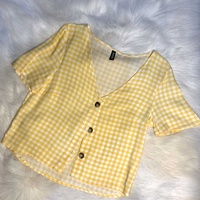 Hm button up pastel yellow cropped shirt