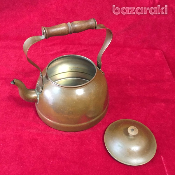 Vintage copper kettle with wooden handle.-5