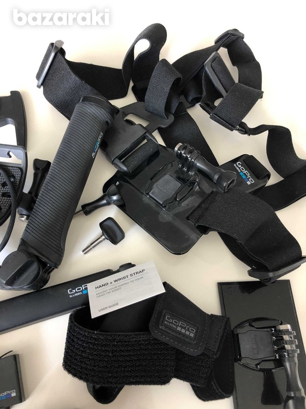 Go pro 5 black with lot of accessories-3