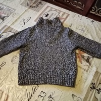 Children's knitted pullover.