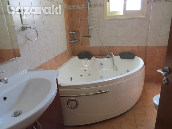 5 bedroom detached house with maids room in k.polemidia-16