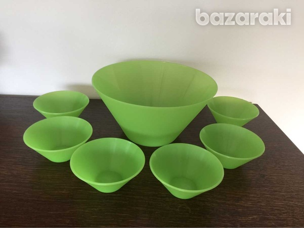One large and 6 small plastic bowls made in sweden-2