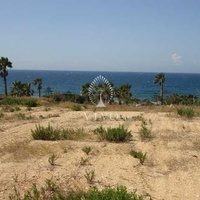 Building plot of 5,340 m2 on the beach in zygi